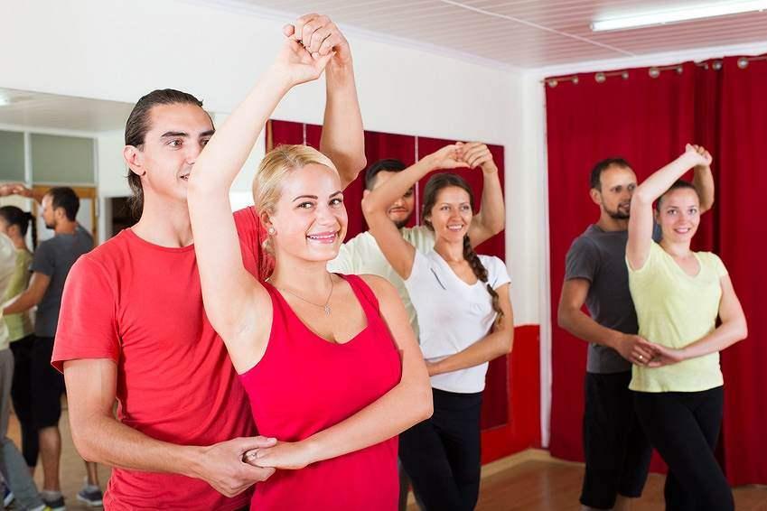 Cours de rock marseille for Cours de danse de salon marseille